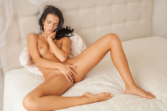 Sapphira A Nude Juicy Pink Pussy Asshole Bed Tease - Picture 12