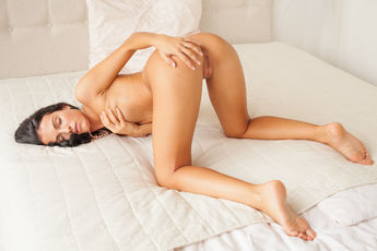 Sapphira A Nude Juicy Pink Pussy Asshole Bed Tease - Picture 8